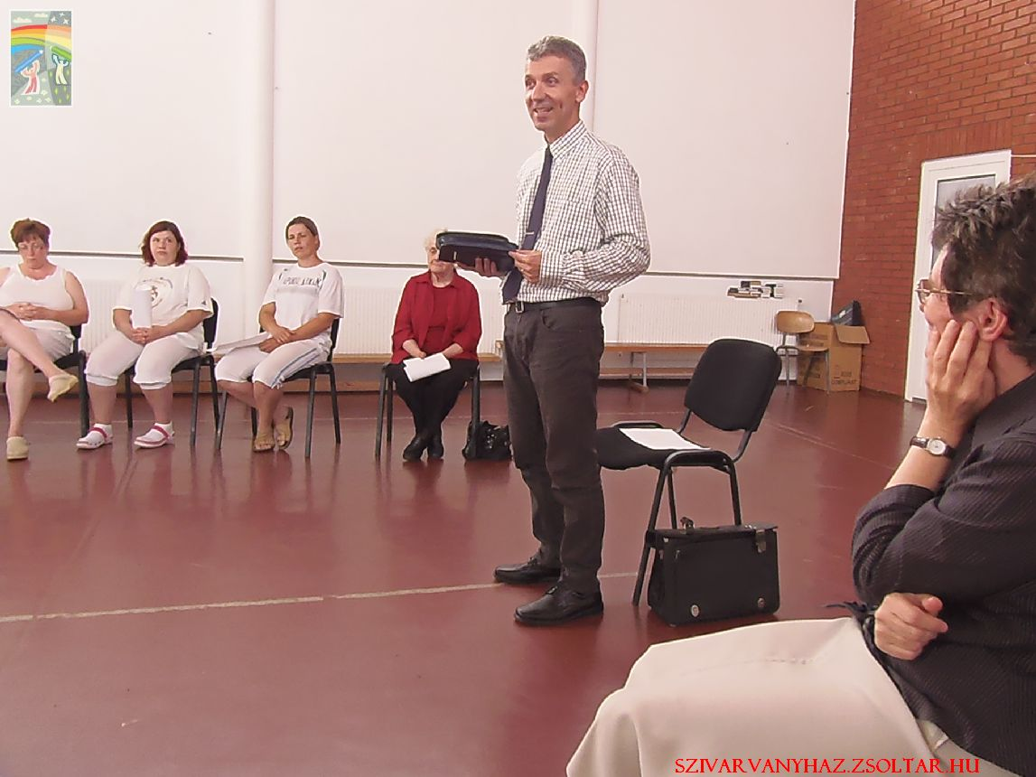 Nt. Lakatos Zoltán a Debrecen Csapókerti gyülekezet lelkipásztora szolgálat közben